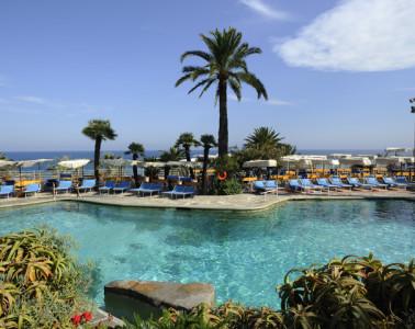 Royal-Hotel-San-Remo-Pool