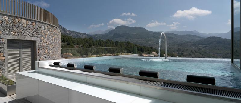 hydro-pool-im-jumeirah-port-soller_copyright-jumeirah-group