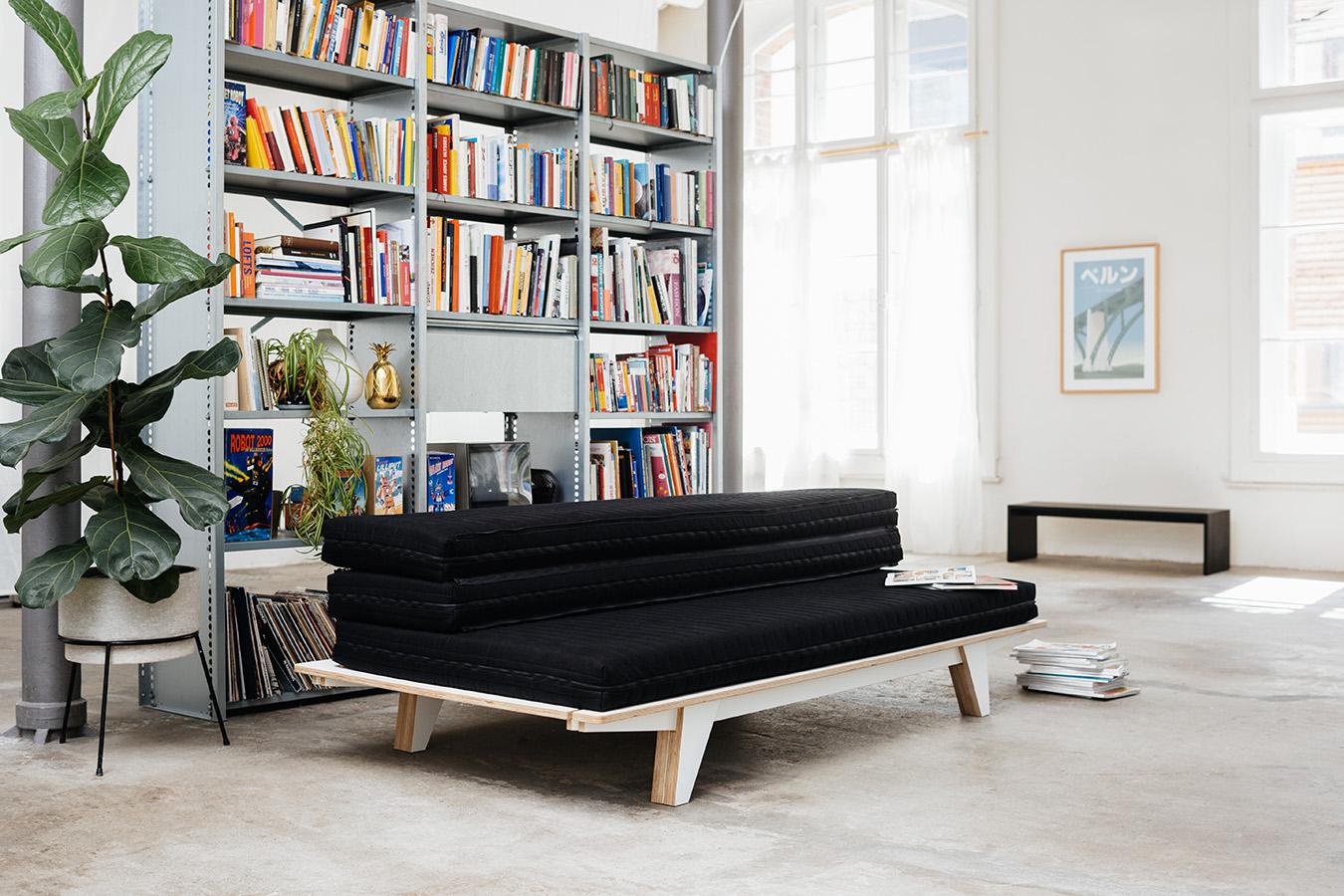 Die neuheit von seledue ist sowohl designer sofa wie auch for Doppelbett platzsparend