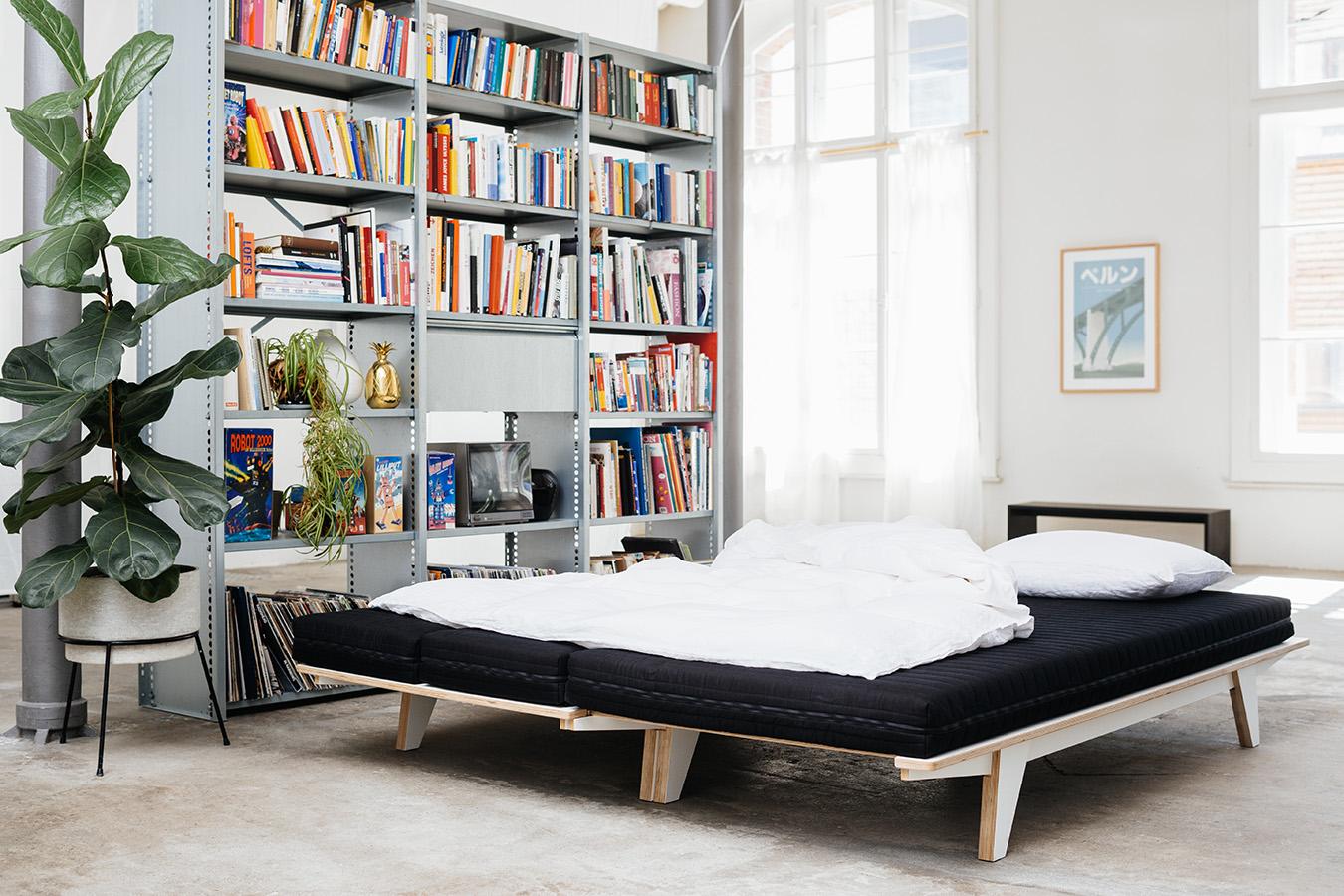 die neuheit von seledue ist sowohl designer sofa wie auch doppelbett proud magazine. Black Bedroom Furniture Sets. Home Design Ideas